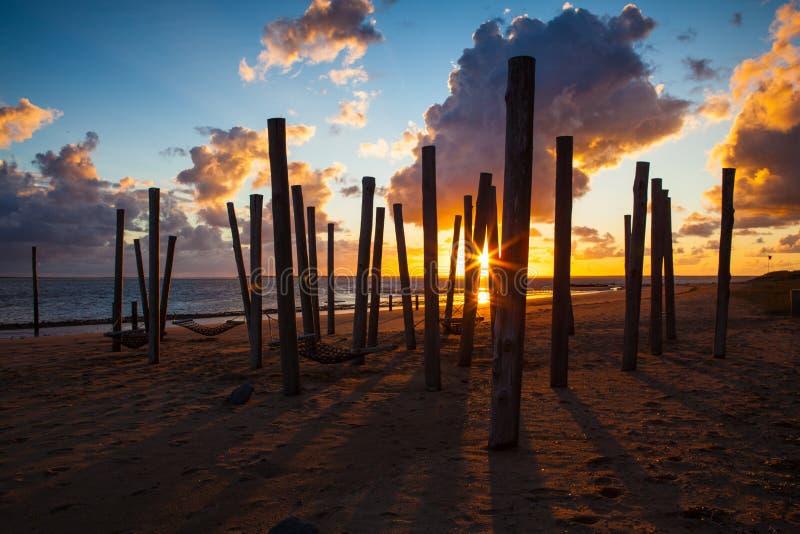 Zmierzch na pustej plaży, Hjerting, Jutland, Dani zdjęcia royalty free