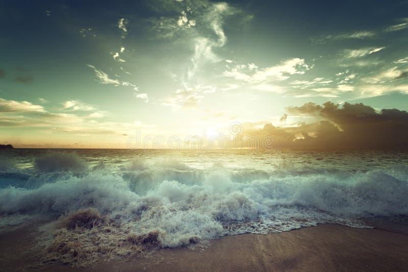 Zmierzch na Seychelles plaży obraz royalty free