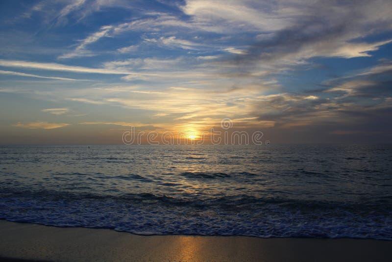 Zmierzch na zatoki wybrzeżu w Floryda fotografia stock