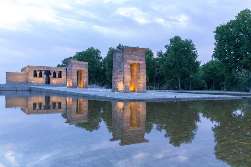 Zmierzch nad Świątynnym De Debod w Madryt obrazy royalty free