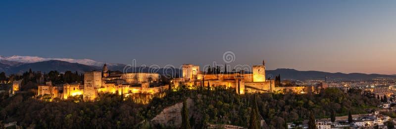 Zmierzch nad Alhambra w Granada zdjęcia royalty free