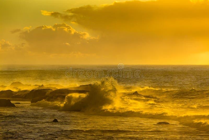 Zmierzch nad Atlantyckim oceanem w Maroko zdjęcie royalty free