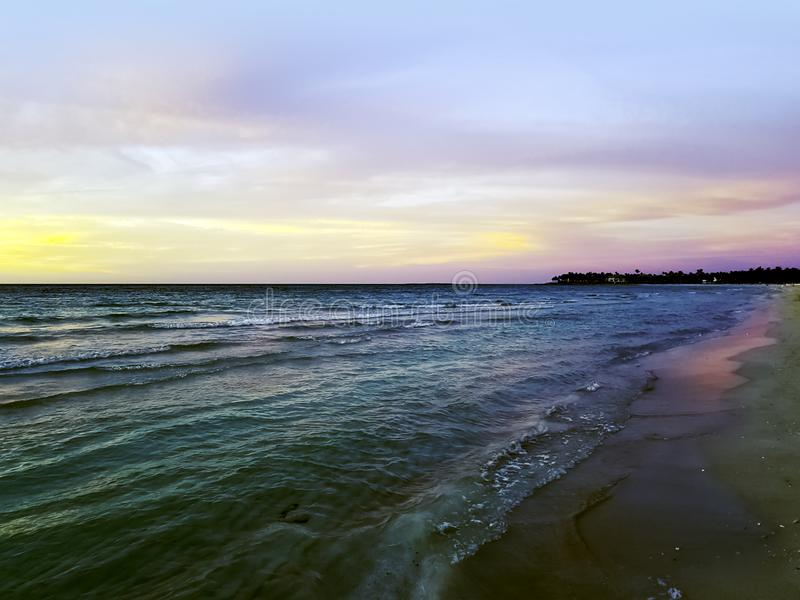Zmierzch nad Atlantyckim oceanem w Varadero, Kuba zdjęcie royalty free