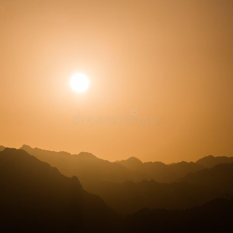 Zmierzch nad górami w Południowym Synaj obraz stock