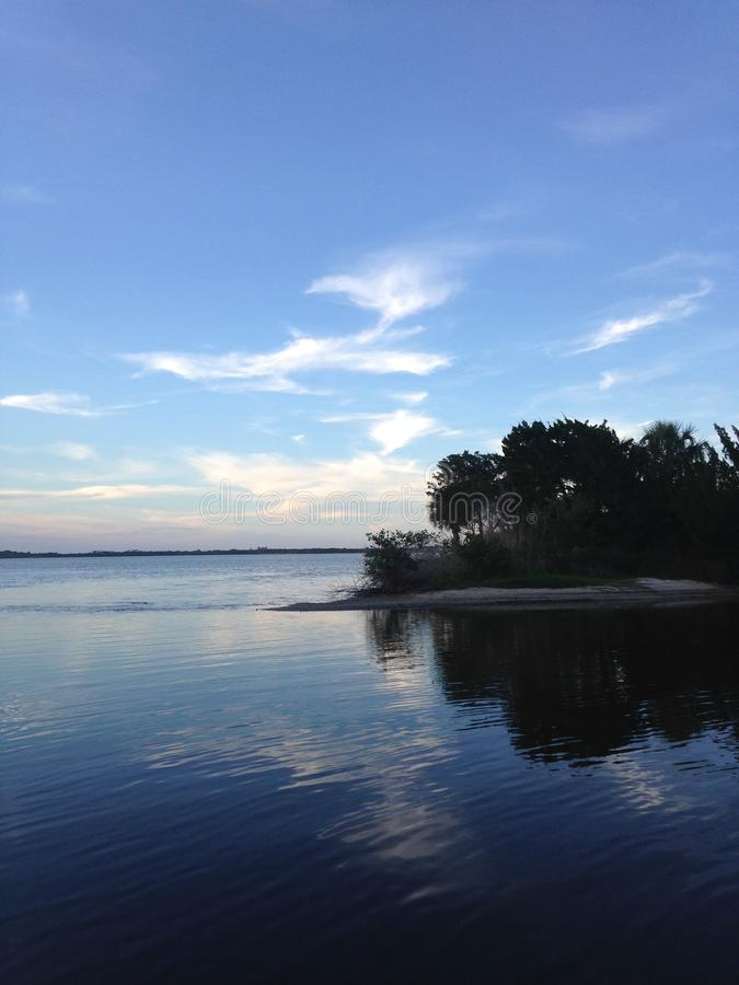 Zmierzch nad Halifax rzeka przy Tomoka stanu parkiem w Floryda obrazy royalty free