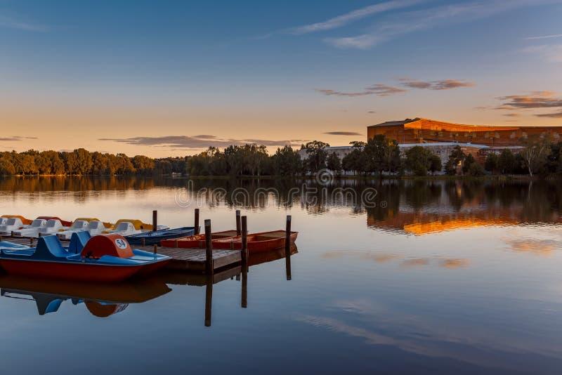Zmierzch nad jeziorem - Nuremberg, Bavaria obrazy royalty free