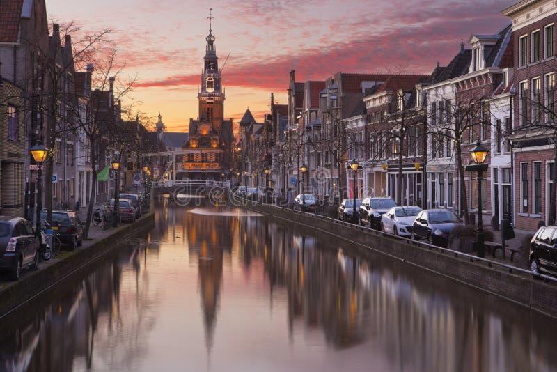 Zmierzch nad miastem Alkmaar holandie obraz royalty free