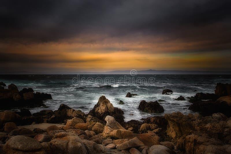 Zmierzch Nad Monterey zatoką obraz stock