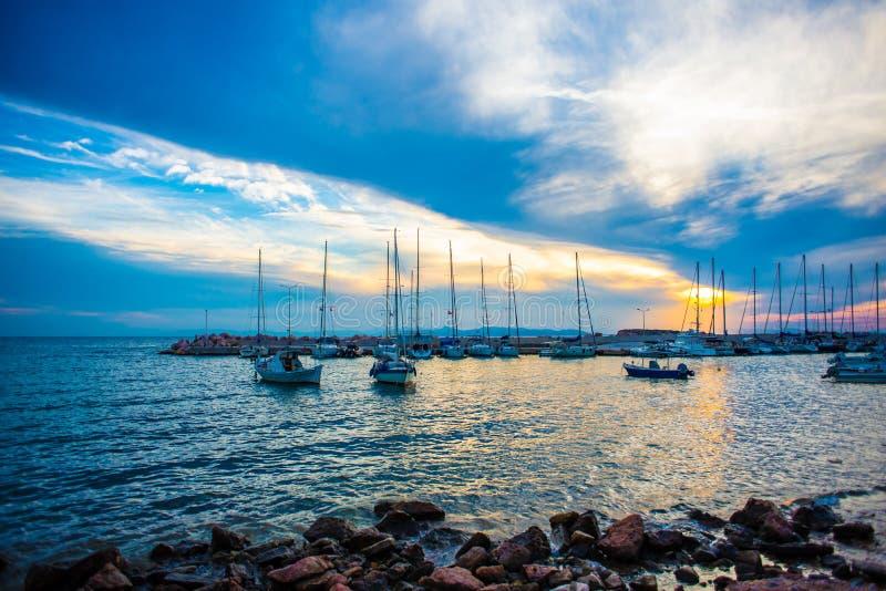 Zmierzch nad morzem w Grecja obraz royalty free
