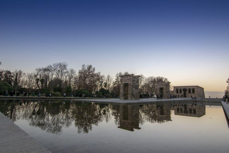 Zmierzch przy świątynią Debod Madryt, Hiszpania, - fotografia royalty free