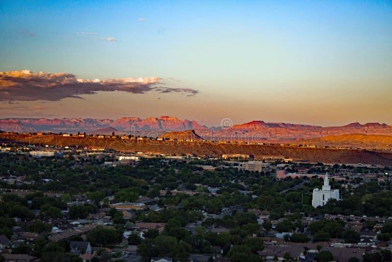 Zmierzch przy świętym George, Utah/ fotografia stock