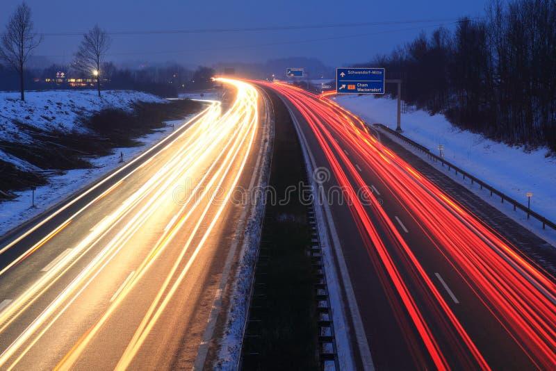 Zmierzch przy autobahn obrazy stock