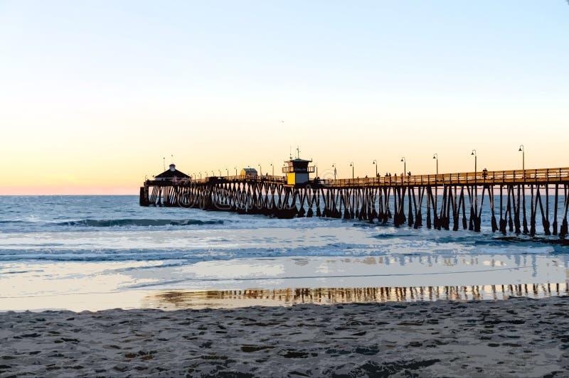 Zmierzch przy imperiał plaży molem, Kalifornia z Posterized skutkiem zdjęcie royalty free