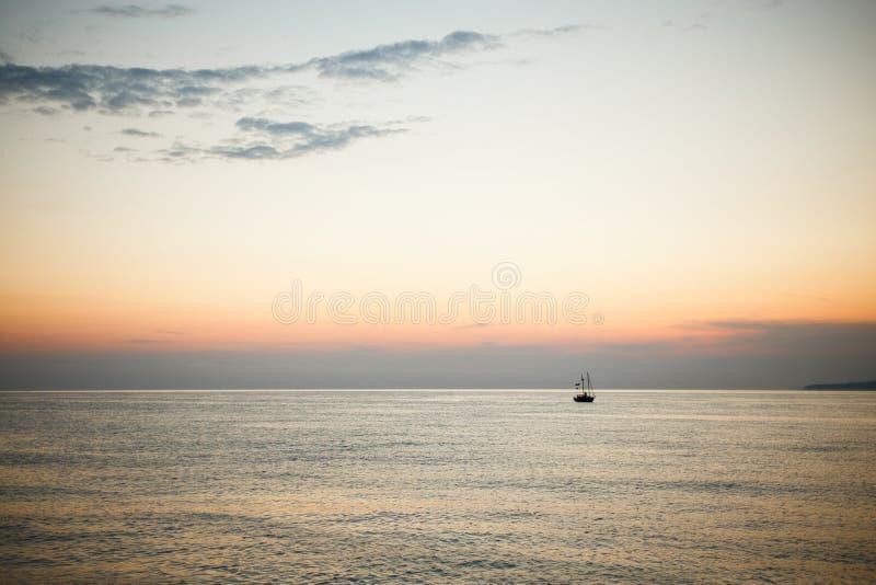 Zmierzch przy morzem fotografia royalty free