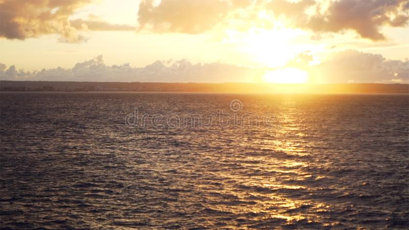 Zmierzch przy morzem zapas zachód słońca nad morza czarnego Piękny słońce ustawia nad oceanem obraz royalty free