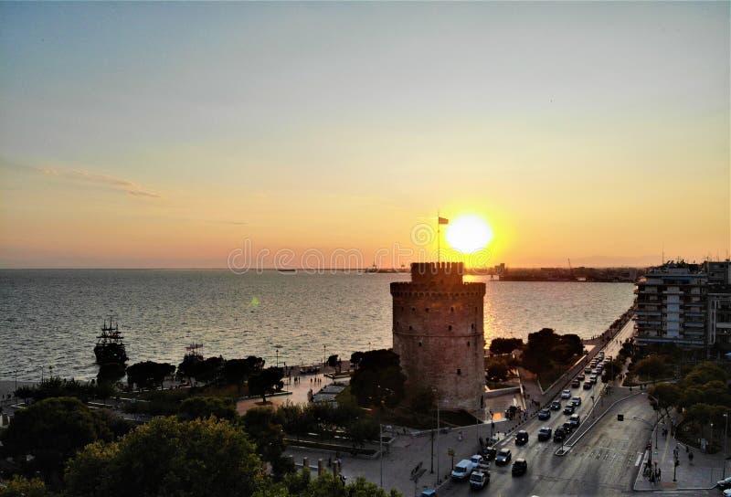 Zmierzch przy nadbrzeżem w Saloniki, Grecja obrazy stock