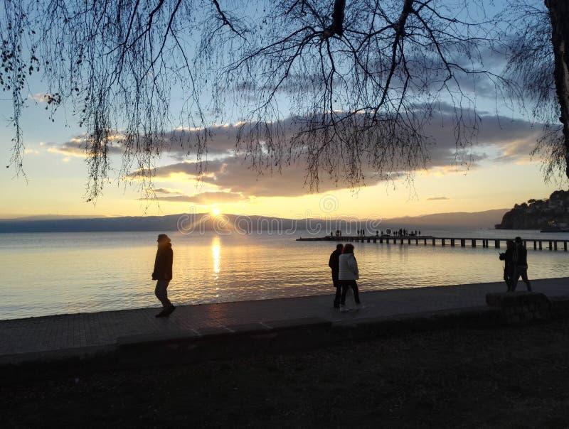 Zmierzch przy Ohrid jeziorem, republika Północny Macedonia obraz stock