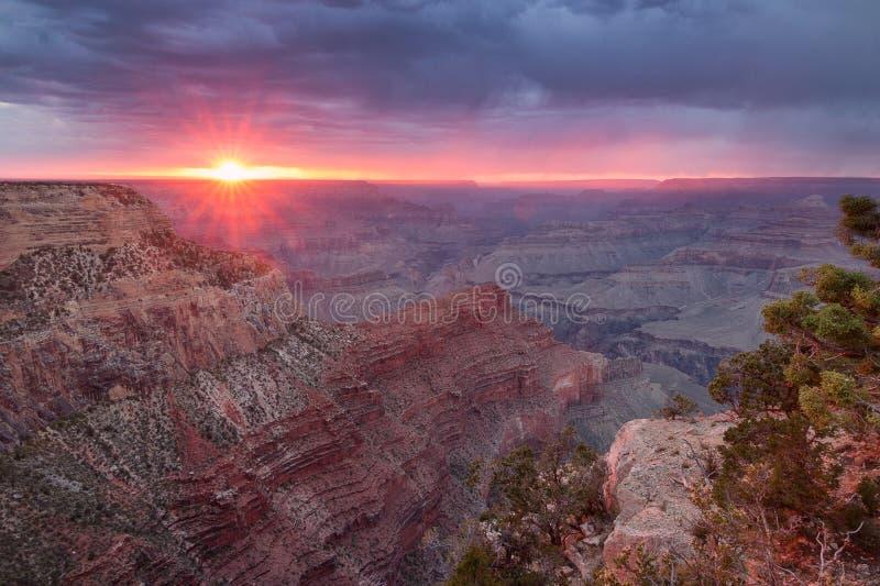 Zmierzch przy Uroczystym jarem - Arizona fotografia stock
