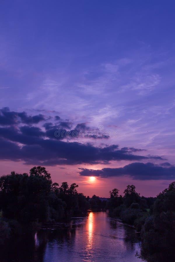 Zmierzch rzeka 8 zdjęcia royalty free