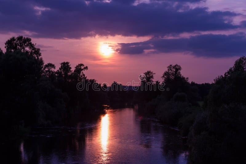 Zmierzch rzeka 2 fotografia stock