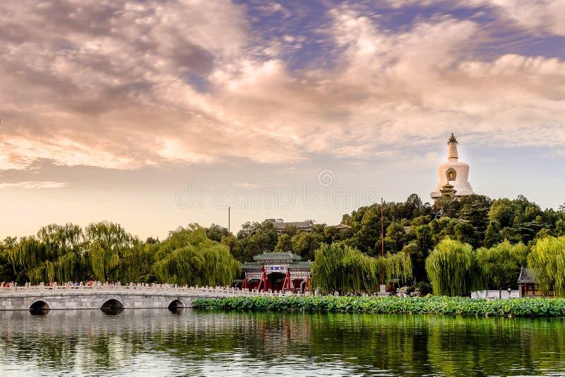 Zmierzch w Beihai parku obrazy stock