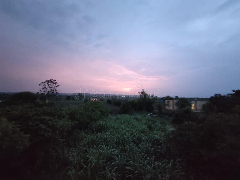 Zmierzch w deszczowych dniach obrazy royalty free