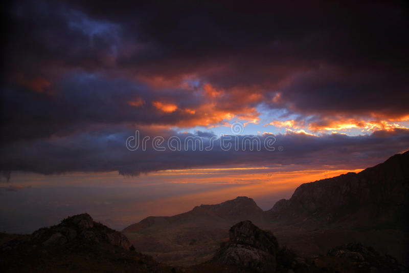 Zmierzch w górach Mulanje fotografia stock