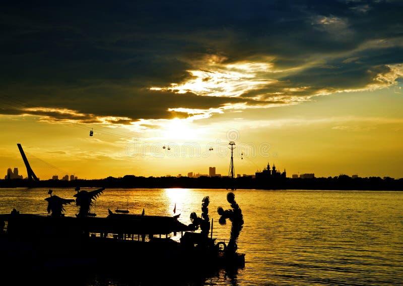 Zmierzch w Pieśniowej Hua rzece, Chiny, Harbin zdjęcie royalty free