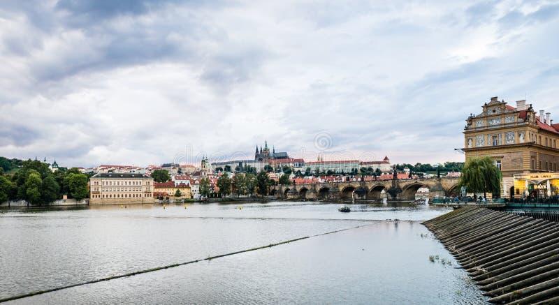 Zmierzch w Praga, republika czech fotografia stock