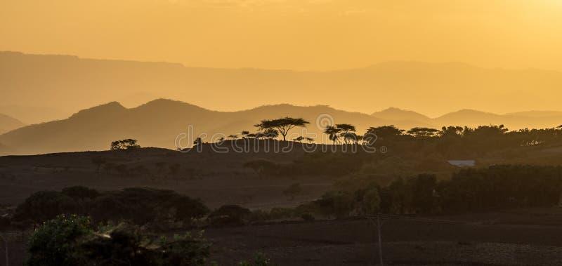 Zmierzch w ?redniog?rzach Lalibela, Etiopia obraz royalty free