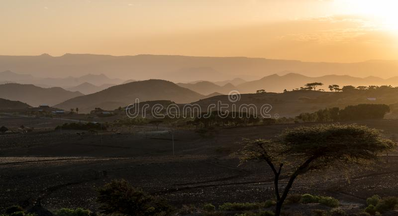 Zmierzch w ?redniog?rzach Lalibela, Etiopia fotografia royalty free