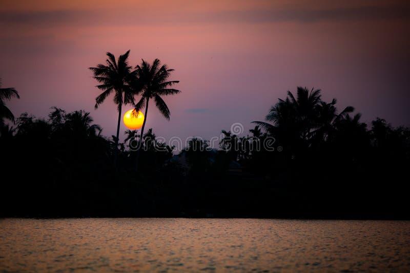 Zmierzch W Wietnam nad rzeką zdjęcie stock