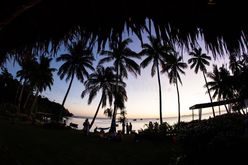 Zmierzch Widzieć Od Tropikalnej wyspy w Fiji fotografia royalty free