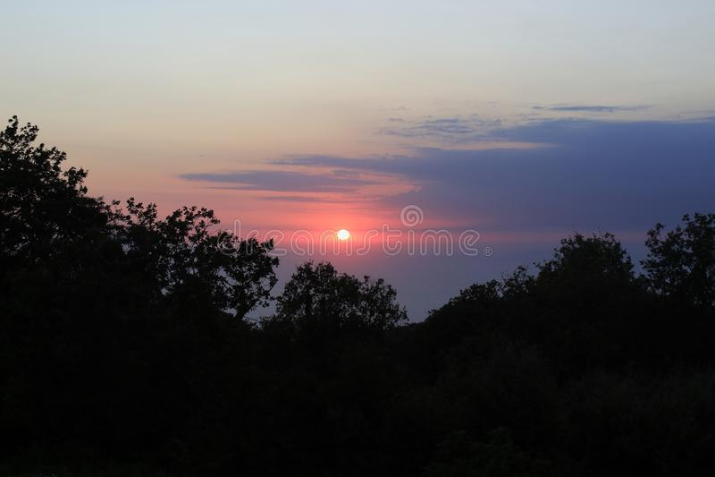 Zmierzch z czerwonym niebem w Sorrento, Włochy fotografia royalty free