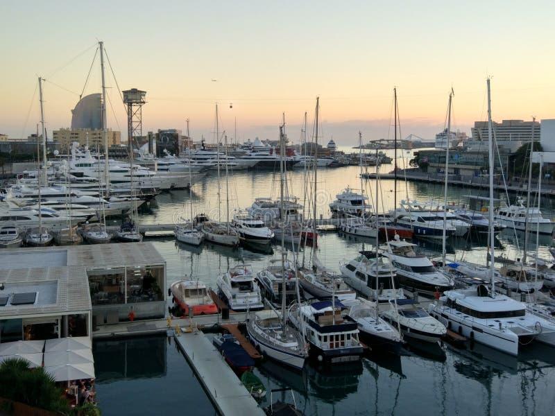 Zmierzchu Barcelona port zdjęcia stock