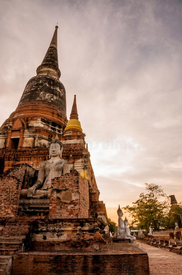 Zmierzchu i Buddha statua AYUTTHAYA Tajlandia fotografia royalty free