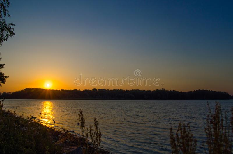 Zmierzchu Jezioro fotografia stock