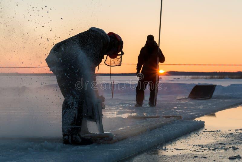 Zmierzchu lodowy piłowanie fotografia royalty free