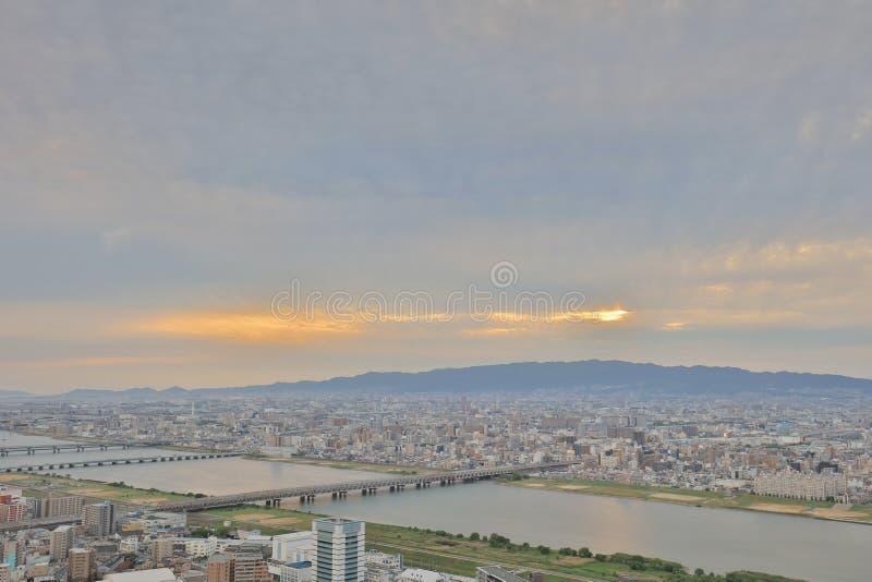zmierzchu niebo nad Osaka miasta biznesu śródmieściem obrazy royalty free