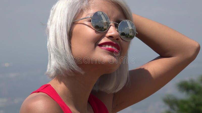 Zmieszana młoda kobieta zdjęcia stock