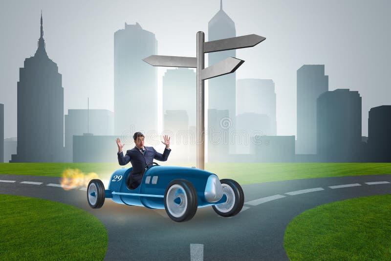 Zmieszanego biznesmena samochodu im napędowa niepewność obraz stock