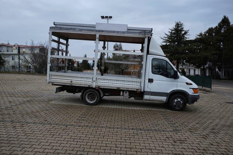 Zmodyfikowana ciężarówka dla sprzedawców ulicznych zdjęcie royalty free
