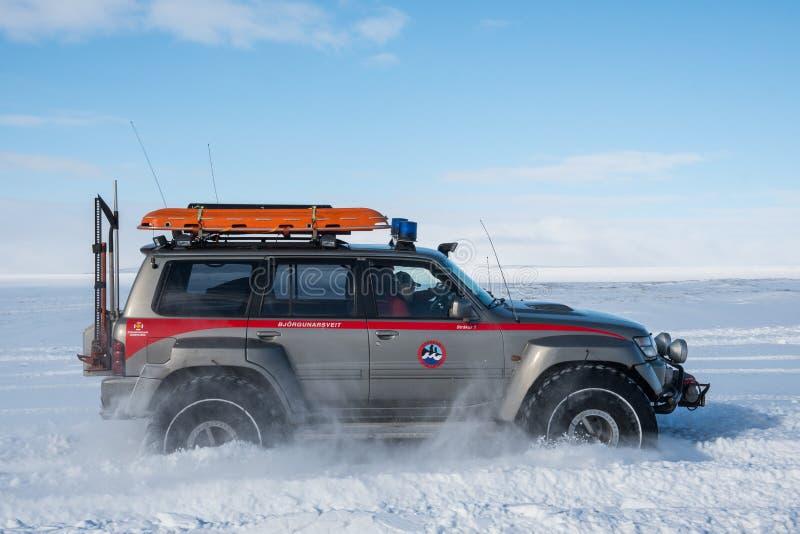 Zmodyfikowana Nissan Patrol rewizja, ratunek i przewozimy samochodem od ICE-SAR zdjęcie royalty free