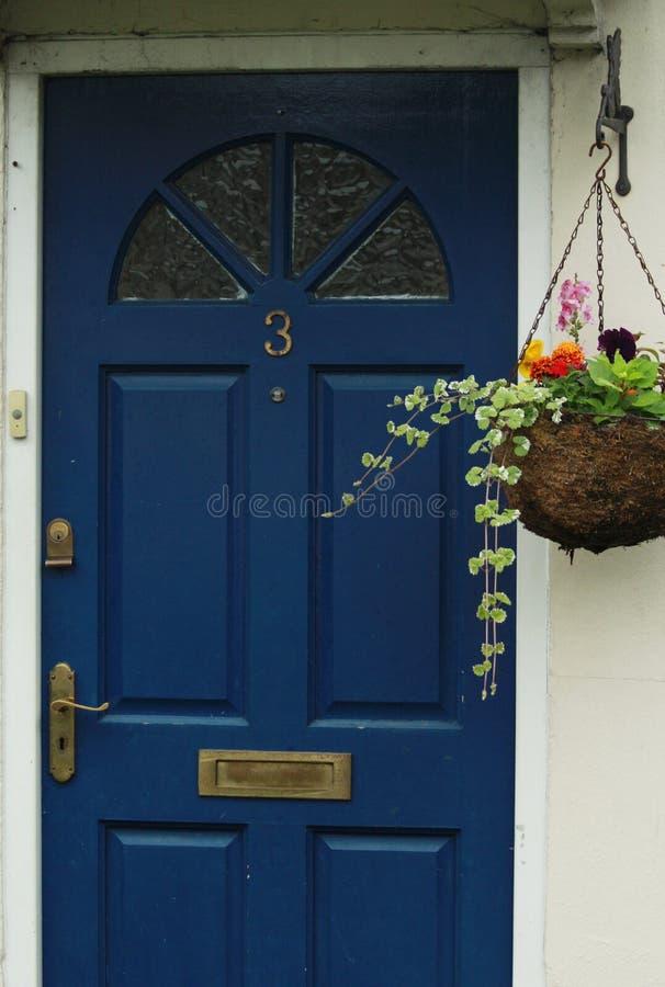 Zmrok - błękitny Stary drzwi zdjęcie royalty free