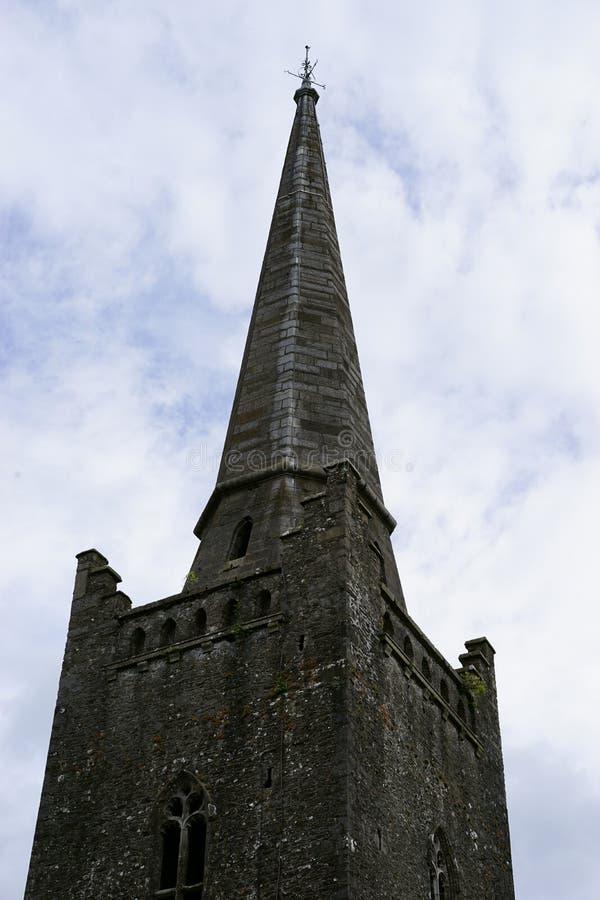 Zmroku wierza w antycznym Irlandia zdjęcie royalty free