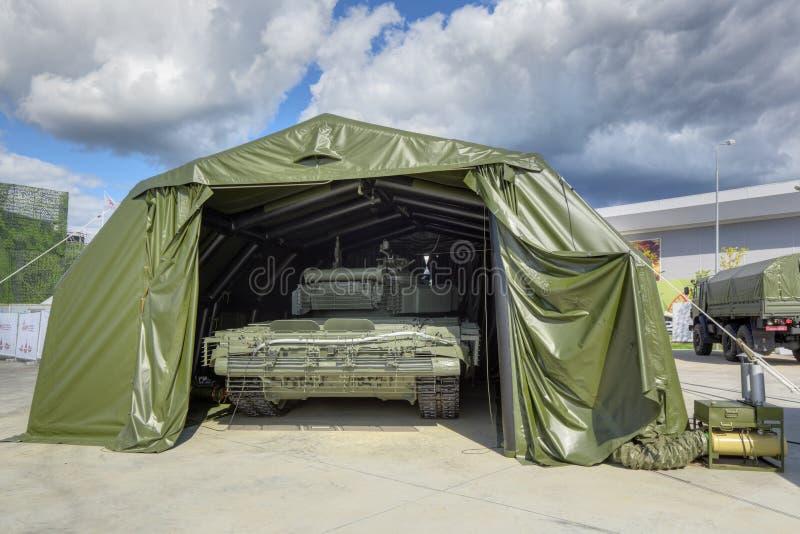Zmyślający nadmuchiwany hangar obraz stock