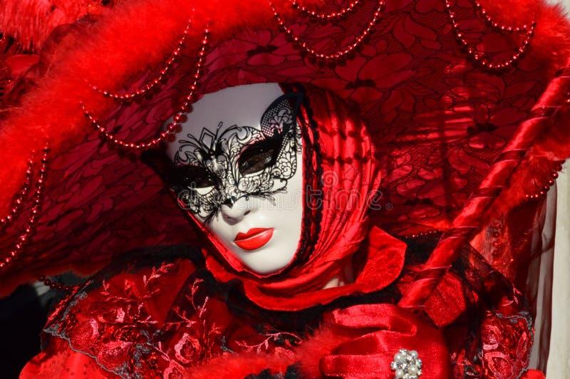 Zmysłowa czerwieni maska obraz royalty free