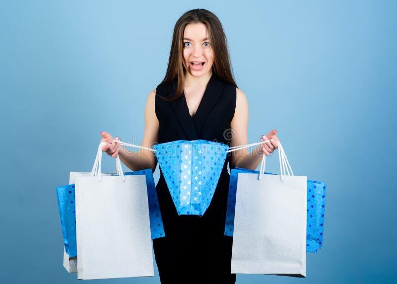 zmys?owy kobieta chwyta zakupu pakunek 3 d formie wymiarowej baga?e pi?kn? zakupy ilustracyjny trzech bardzo Du?e sprzeda?e sekso zdjęcie stock