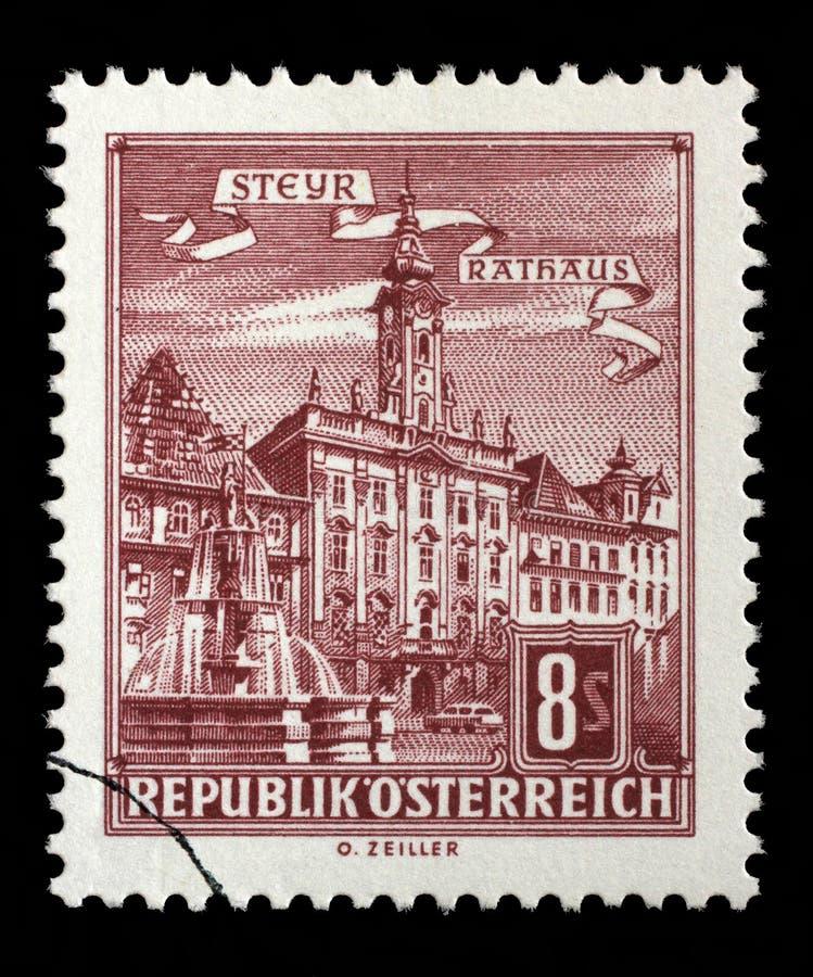 Znaczek drukujący w Austria pokazuje urząd miasta, Steyr zdjęcia royalty free