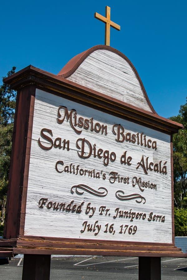 Znak dla misi bazyliki San Diego De Alcala obrazy royalty free